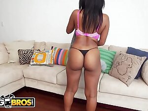 BANGBROS - Thicc and Juicy Black Crumpet Arianna Knight Sucks And Fucks For Extra Money