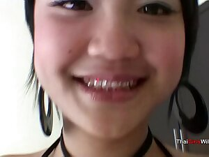 Baby faced Thai teen is easy pussy of make an issue of experienced sex tourist
